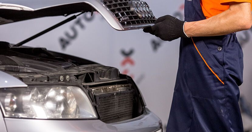 Как се сменя Въздушен филтър на Audi A4 b6 2000 - безплатни PDF и видео уроци