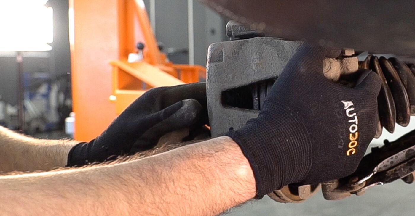αλλαγη Τακάκια Φρένων FIAT DOBLO 1.6 16V: online οδηγοί και βίντεο tutorial