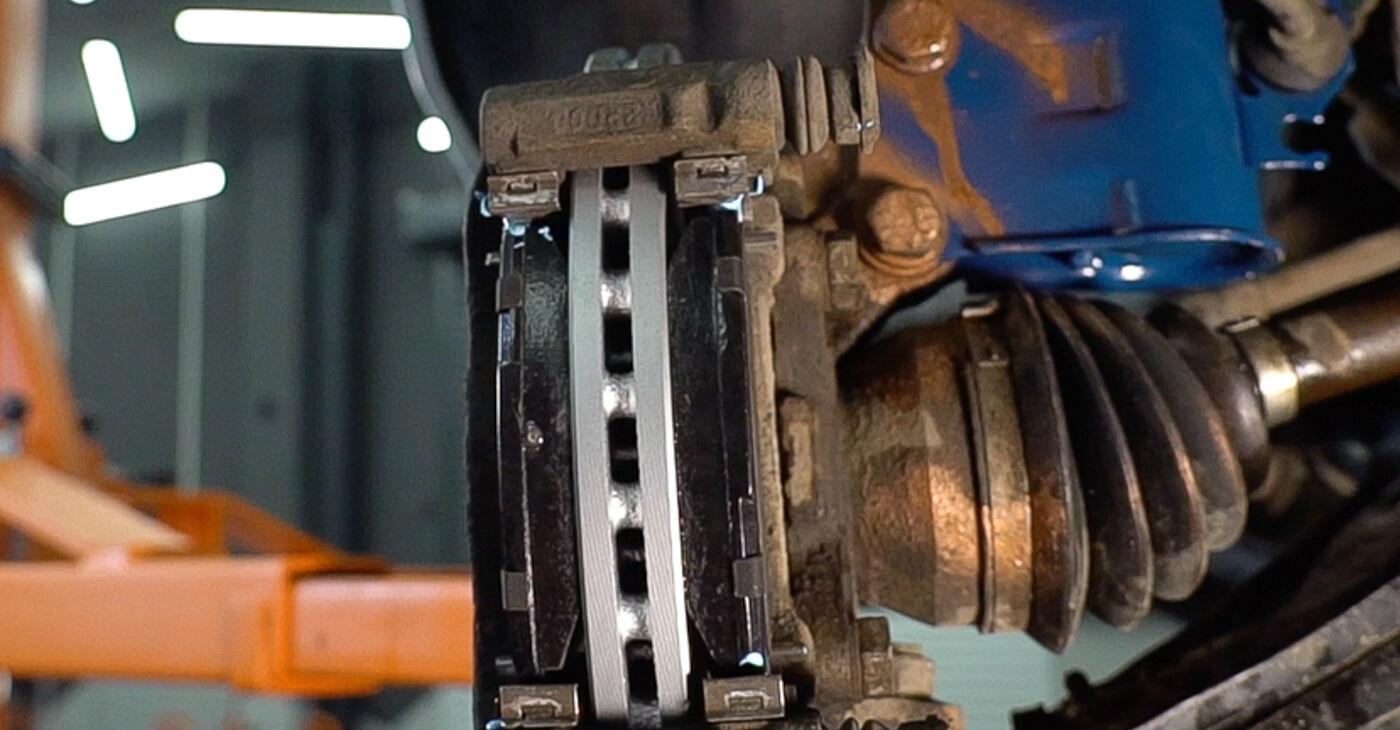 Πώς να αλλάξετε Τακάκια Φρένων σε Fiat Doblo Cargo 2001 - δωρεάν εγχειρίδια PDF και βίντεο οδηγιών