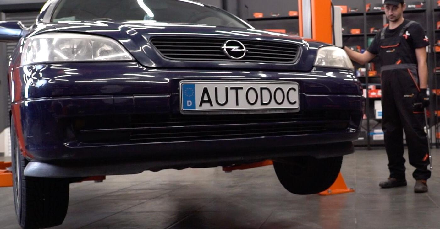 Opel Astra g f48 1.6 (F08, F48) 2000 Stabilizatora Bukses nomaiņa: bezmaksas remonta rokasgrāmatas