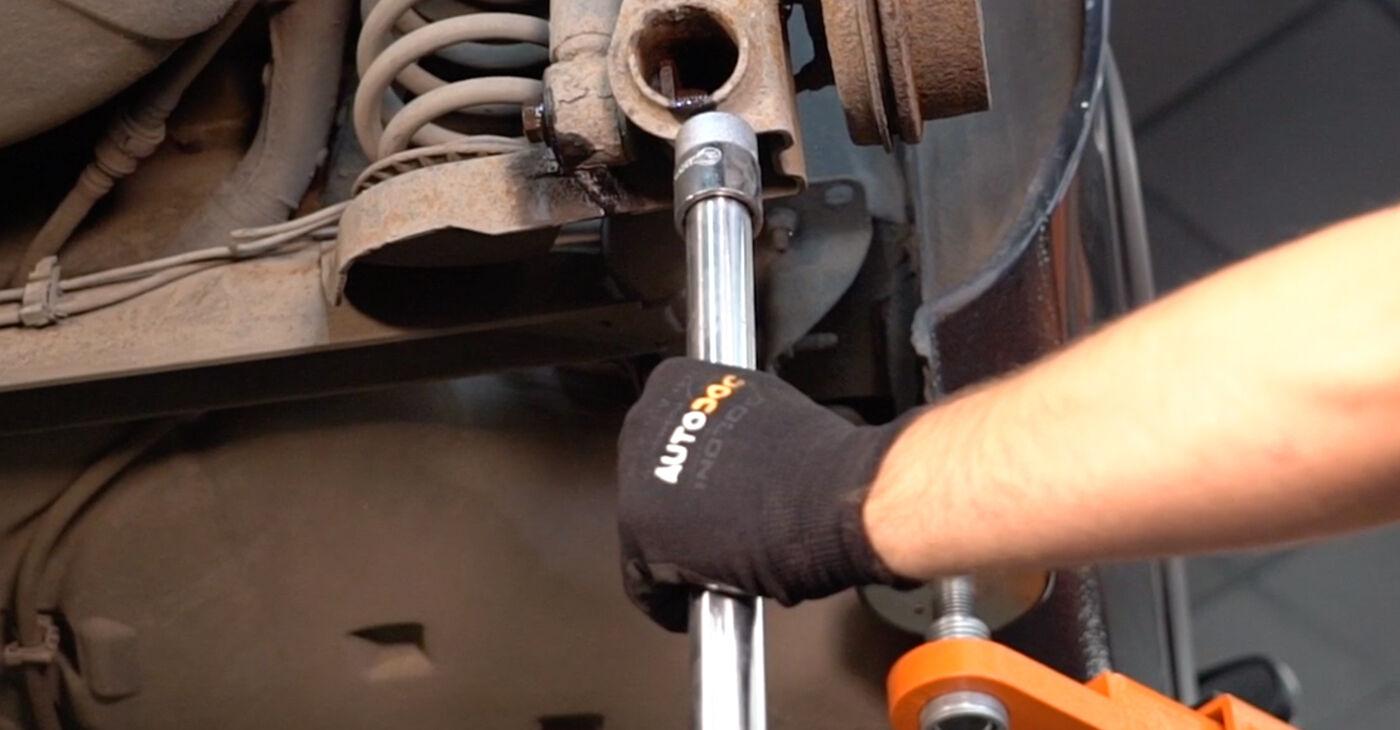 À quel point est-il difficile de le faire soi-même : télécharger le guide illustré pour le changement de Support Moteur sur Renault Clio 2 1.6 16V 2004