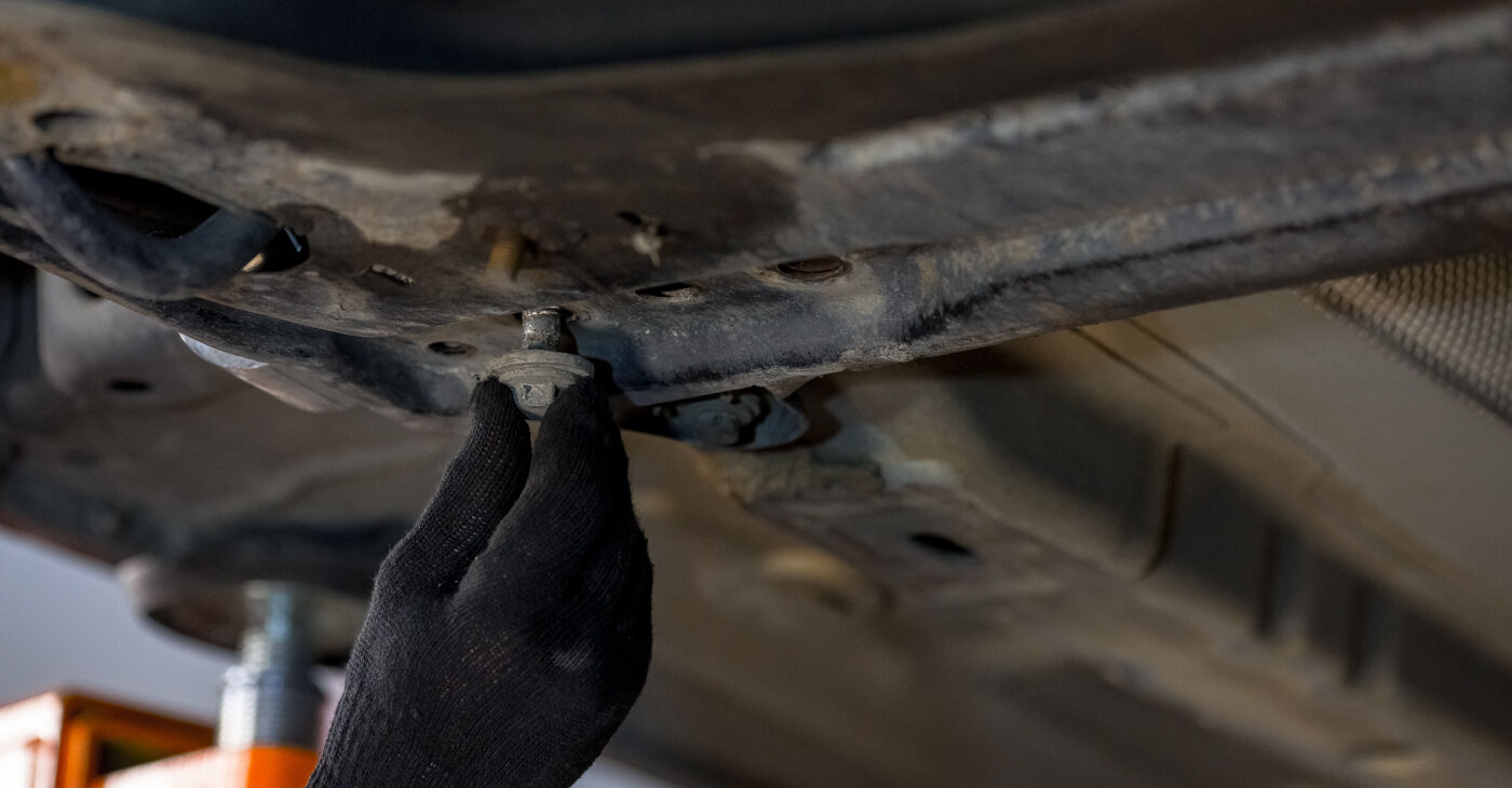Ford Fiesta V jh jd 1.4 16V 2003 Vikšro Valdymo Svirtis keitimas: nemokamos remonto instrukcijos