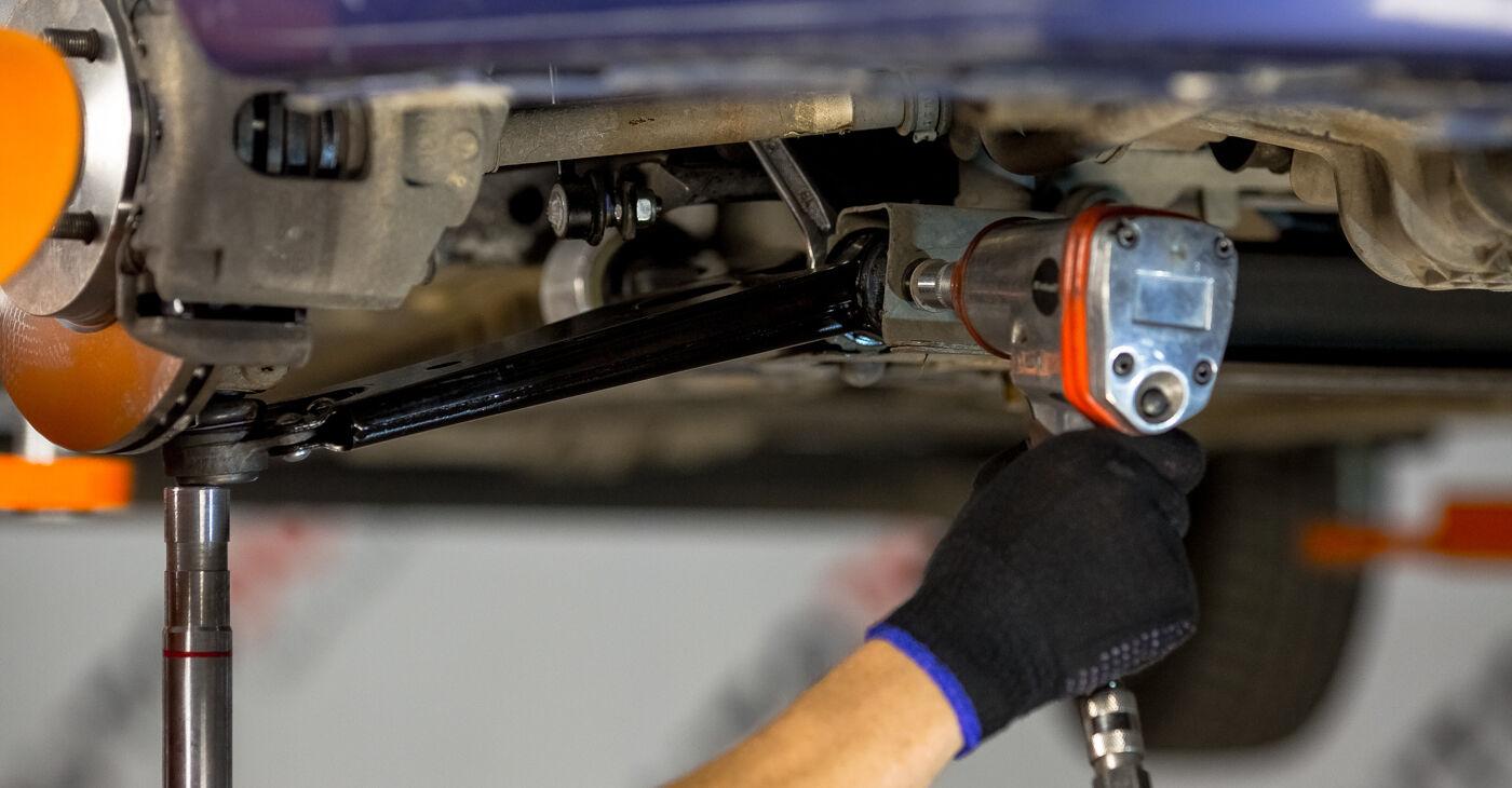 Ar sudėtinga pasidaryti pačiam: Ford Fiesta V jh jd 1.6 16V 2007 Vikšro Valdymo Svirtis keitimas - atsisiųskite iliustruotą instrukciją