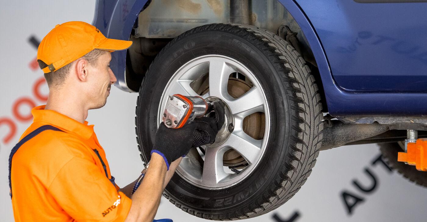 Ford Fiesta V jh jd 1.4 16V 2003 Kolesni lezaj zamenjava: brezplačni priročnik delavnice