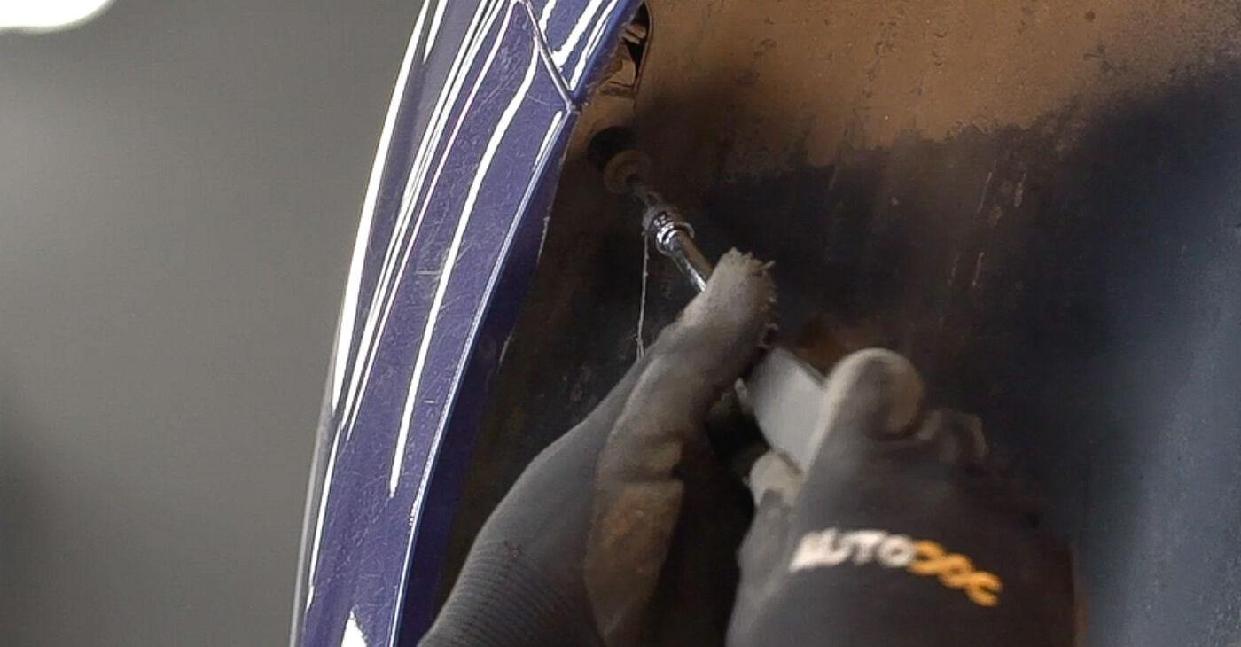 Zamenjajte Blazilnik na Peugeot 208 1 2013 1.4 HDi sami