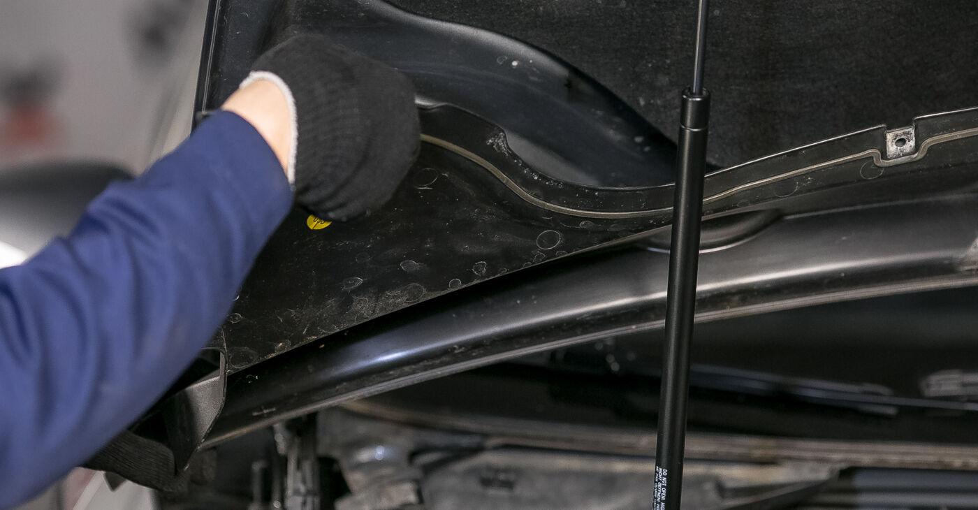 Kaip pakeisti VW PASSAT Variant (3C5) 2005 Amortizatoriaus Atraminis Guolis - patarimai ir gudrybės