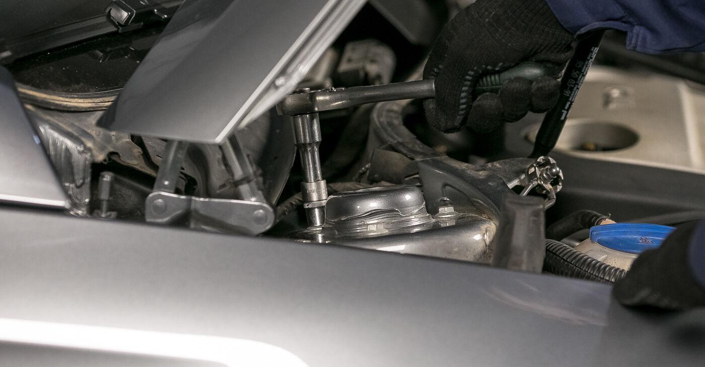 Pasikeiskite VW PASSAT Variant (3C5) 1.9 TDI 2007 Amortizatoriaus Atraminis Guolis patys - internetinė instrukcija