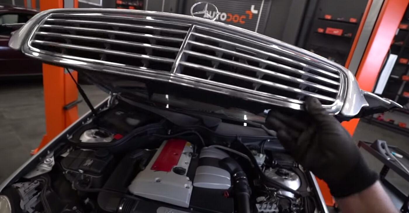 Kā nomainīt Bremžu suports Mercedes W203 2000 - bezmaksas PDF un video rokasgrāmatas