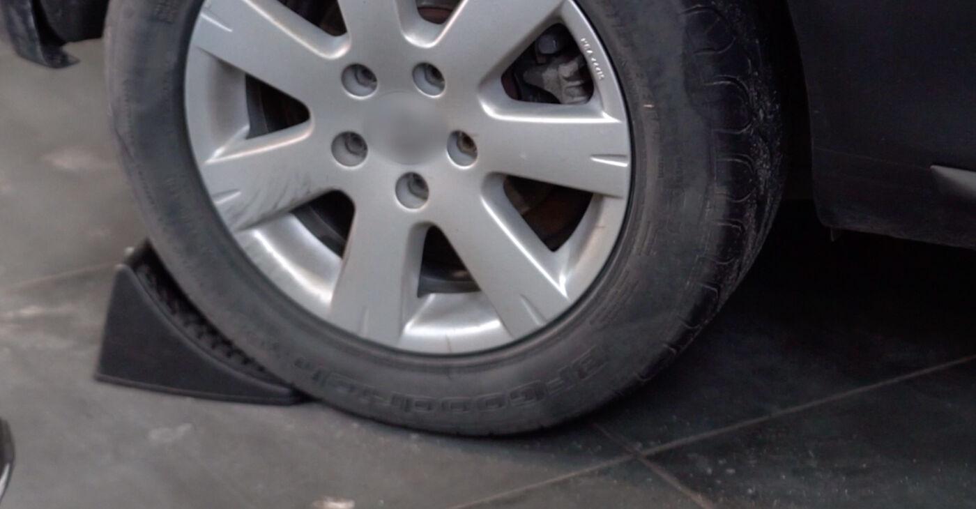 Kā nomainīt VW GOLF V (1K1) 1.9 TDI 2008 Bremžu suports - pakāpeniskās rokasgrāmatas un video ceļveži