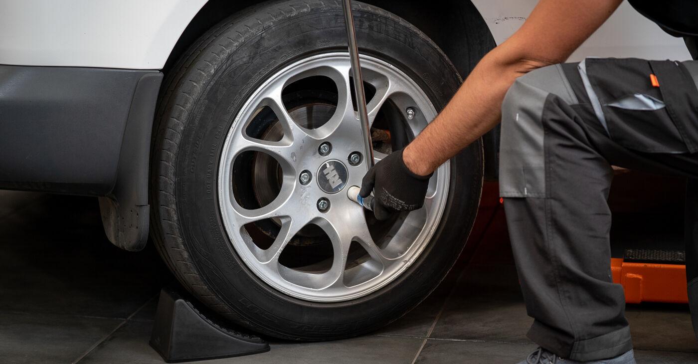 Kaip pakeisti VW CADDY III Estate (2KB, 2KJ, 2CB, 2CJ) 1.9 TDI 2005 Rato guolis - išsamios instrukcijos ir vaizdo pamokos