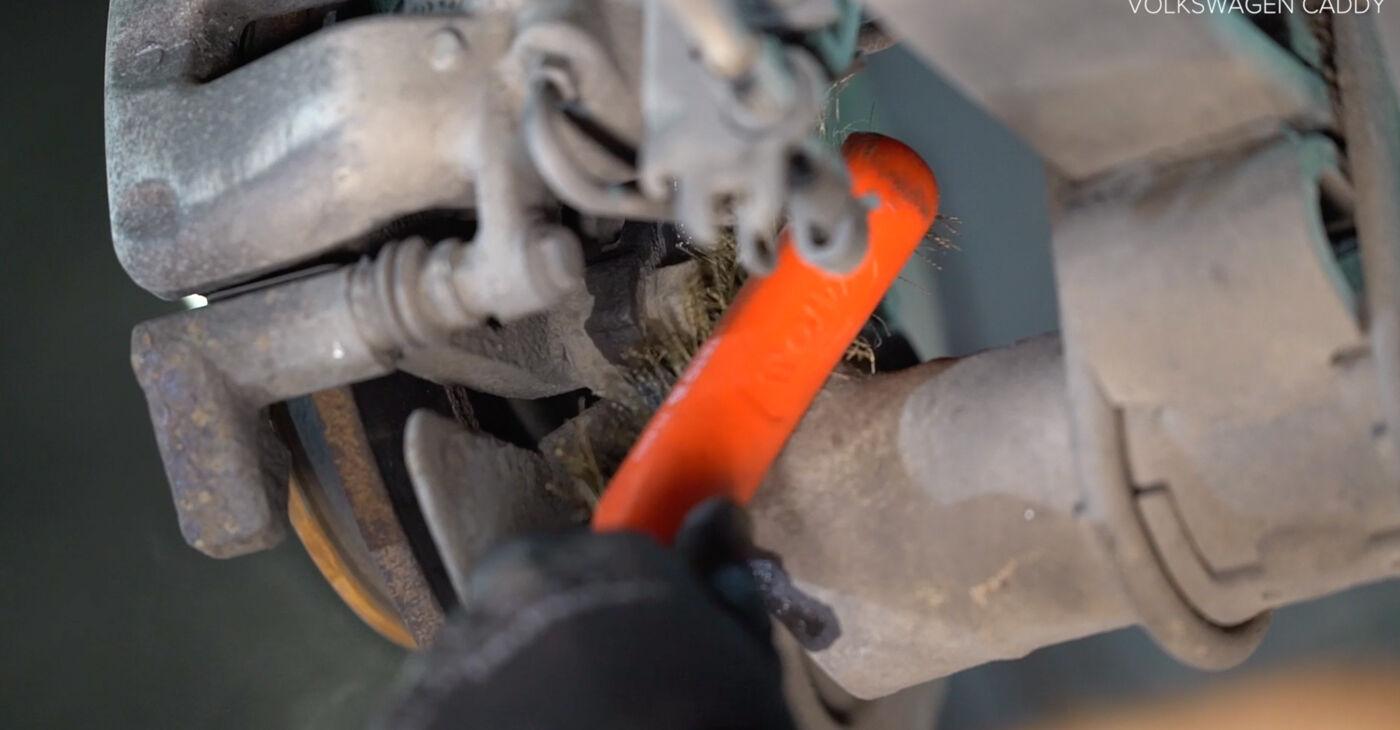 VW CADDY 2011 Rato guolis išsami keitimo instrukcija