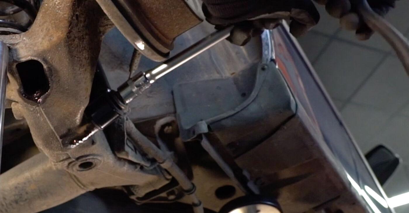 Sostituire Ammortizzatori su OPEL ASTRA G Hatchback (F48_, F08_) 1.4 16V (F08, F48) 2000 non è più un problema con il nostro tutorial passo-passo
