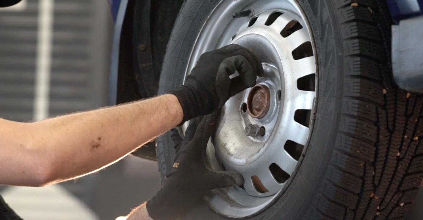 Quanto è difficile il fai da te: sostituzione Ammortizzatori su Opel Astra g f48 2.0 DI (F08, F48) 2004 - scarica la guida illustrata