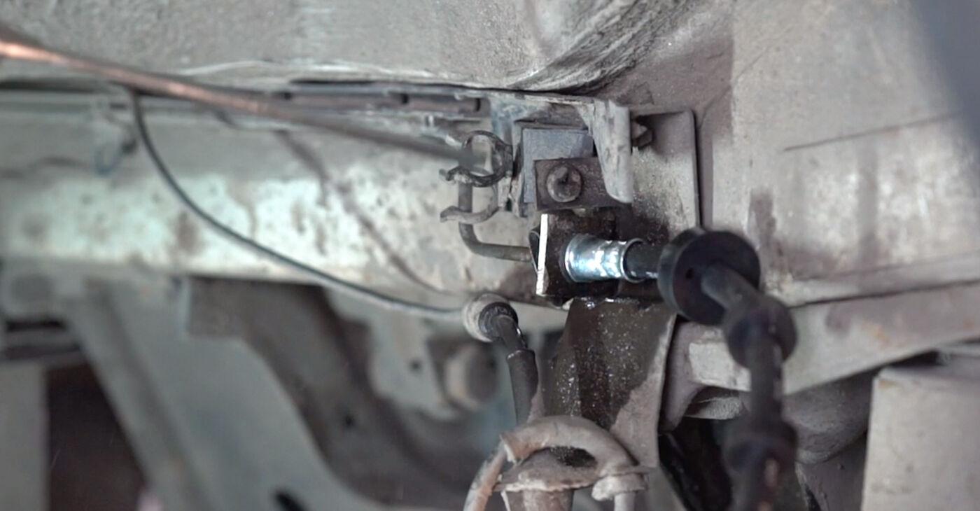 Kā noņemt VW TRANSPORTER 2.5 TDI Syncro 1994 Bremžu šļūtene - viegli izpildāmas tiešsaistes instrukcijas
