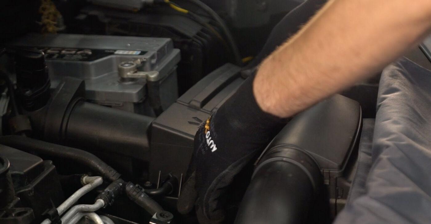 VW TOURAN 2.0 TDI Gaisa filtrs nomaiņa: tiešsaistes ceļveži un video pamācības