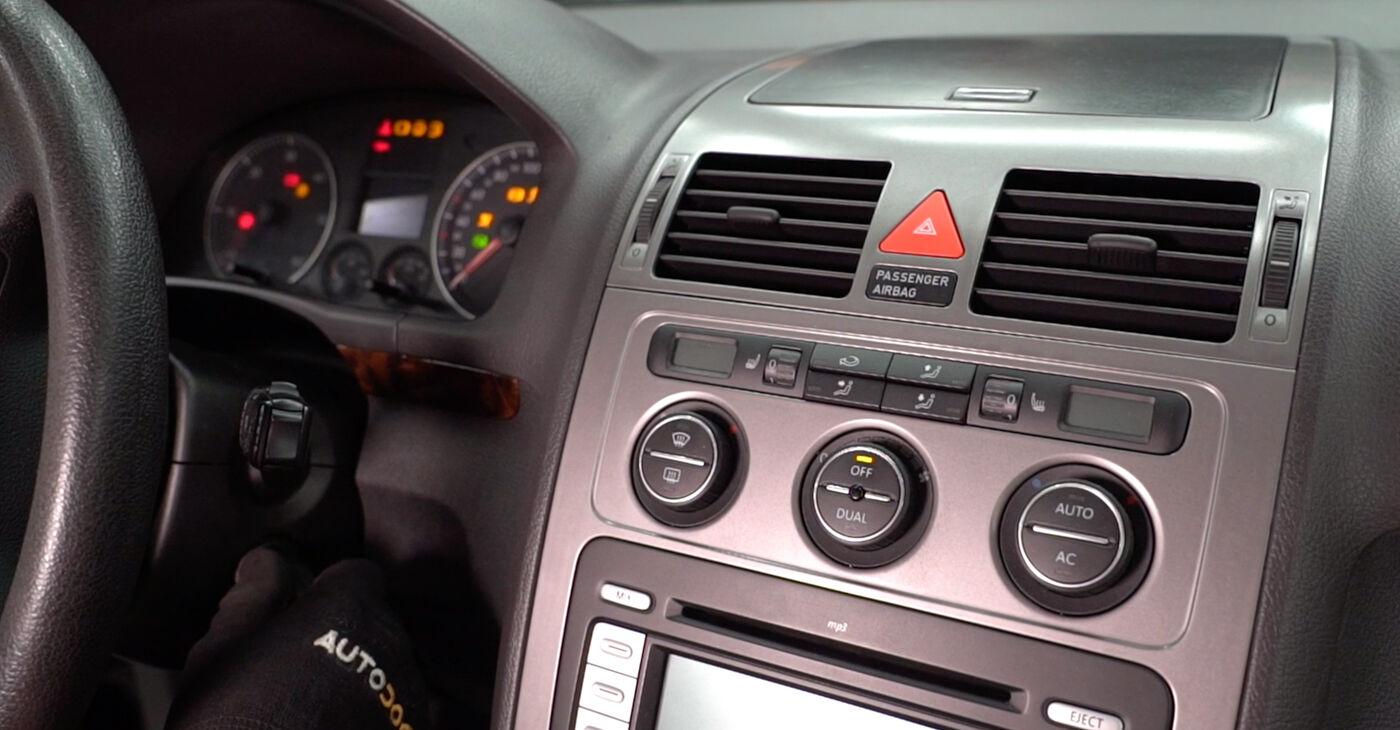 Kā nomainīt VW TOURAN (1T1, 1T2) 2007 Salona filtrs - padomi un ieteikumi