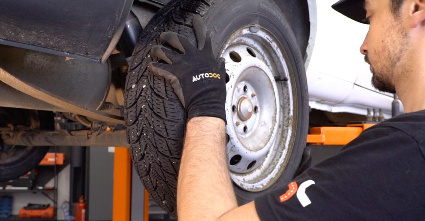 Cómo es de difícil hacerlo usted mismo: reemplazo de Amortiguadores en un Fiat Doblo Cargo 1.2 2006 - descargue la guía ilustrada