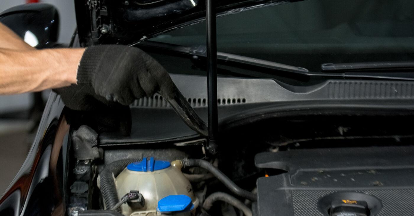 Kaip nuimti VW GOLF 2.0 TDI 16V 2009 Amortizatoriaus Atraminis Guolis - nesudėtingos internetinės instrukcijos