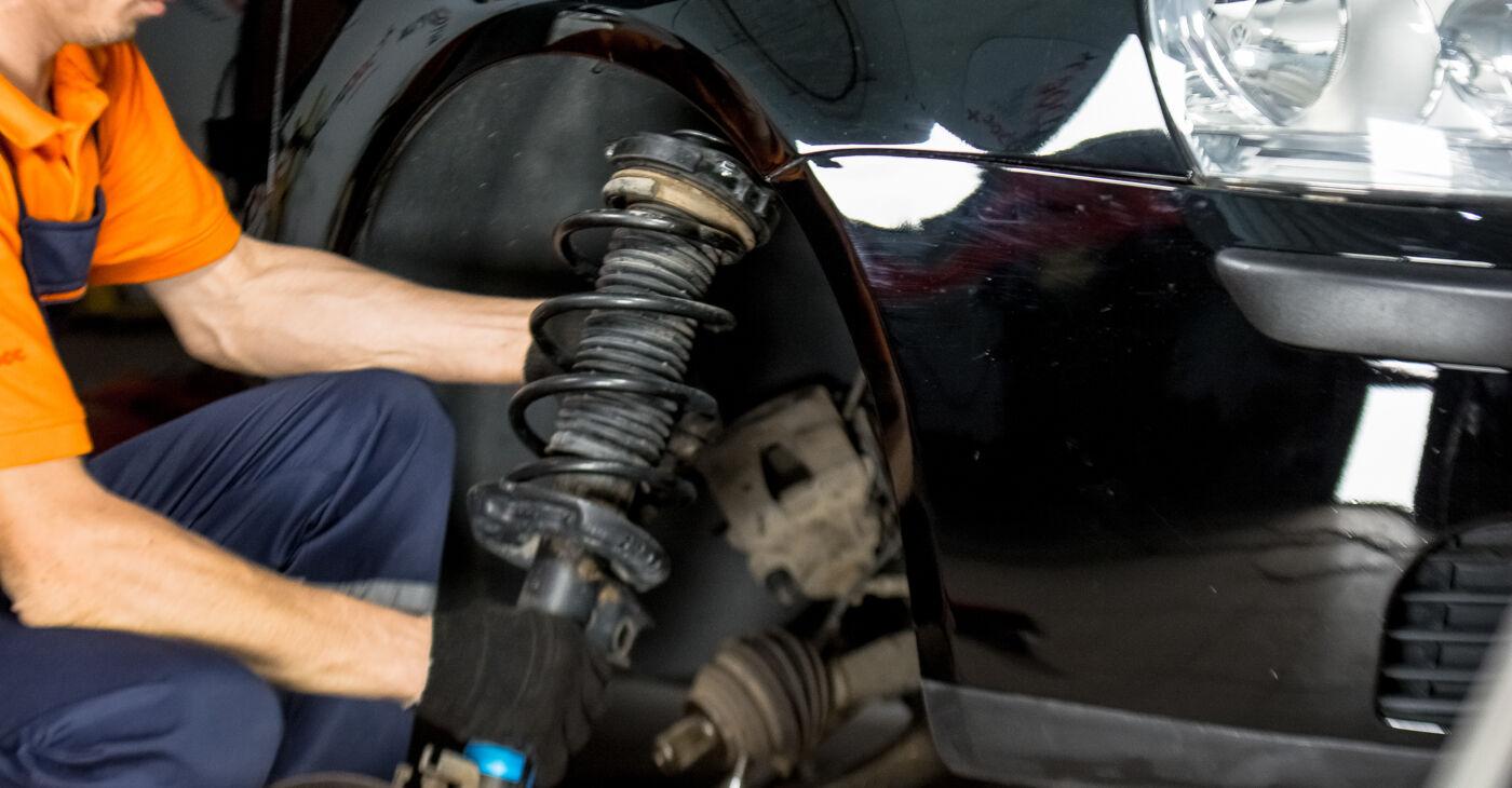 Pasikeiskite VW GOLF V (1K1) 2.0 GTI 2010 Amortizatoriaus Atraminis Guolis patys - internetinė instrukcija