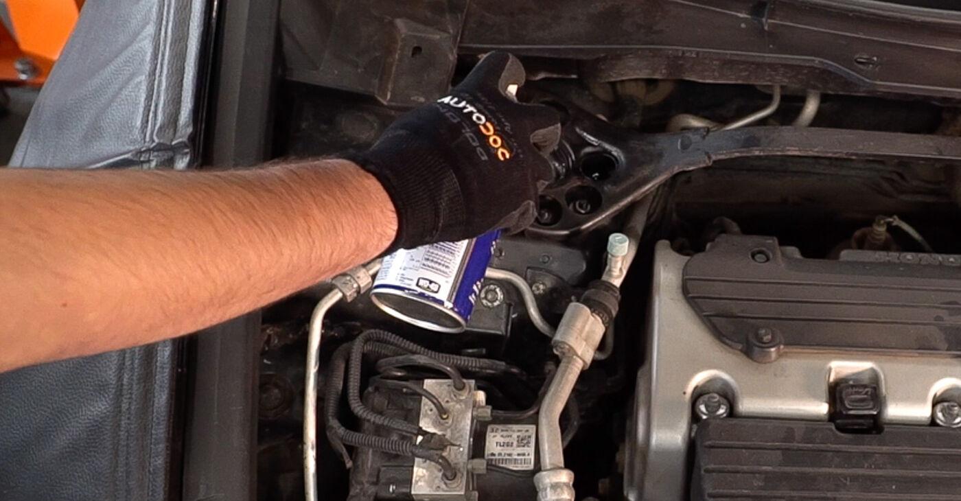 Honda Accord VIII CU 2.2 i-DTEC (CU3) 2010 Supporto Ammortizzatore sostituzione: manuali dell'autofficina