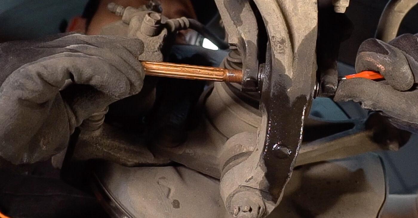Quanto è difficile il fai da te: sostituzione Supporto Ammortizzatore su Honda Accord VIII CU 2.2 i-DTEC (CU3) 2014 - scarica la guida illustrata