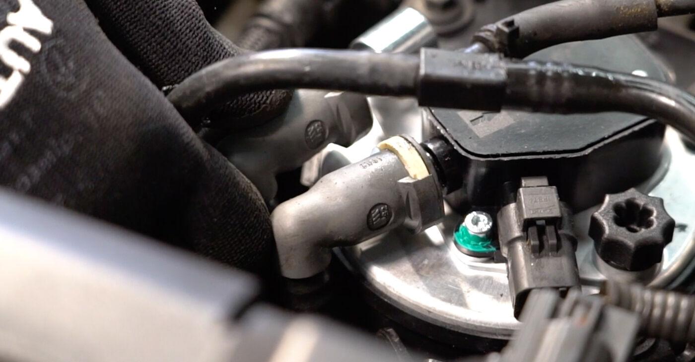 Kā nomainīt VOLVO V50 (MW) 2005 Degvielas filtrs - padomi un ieteikumi