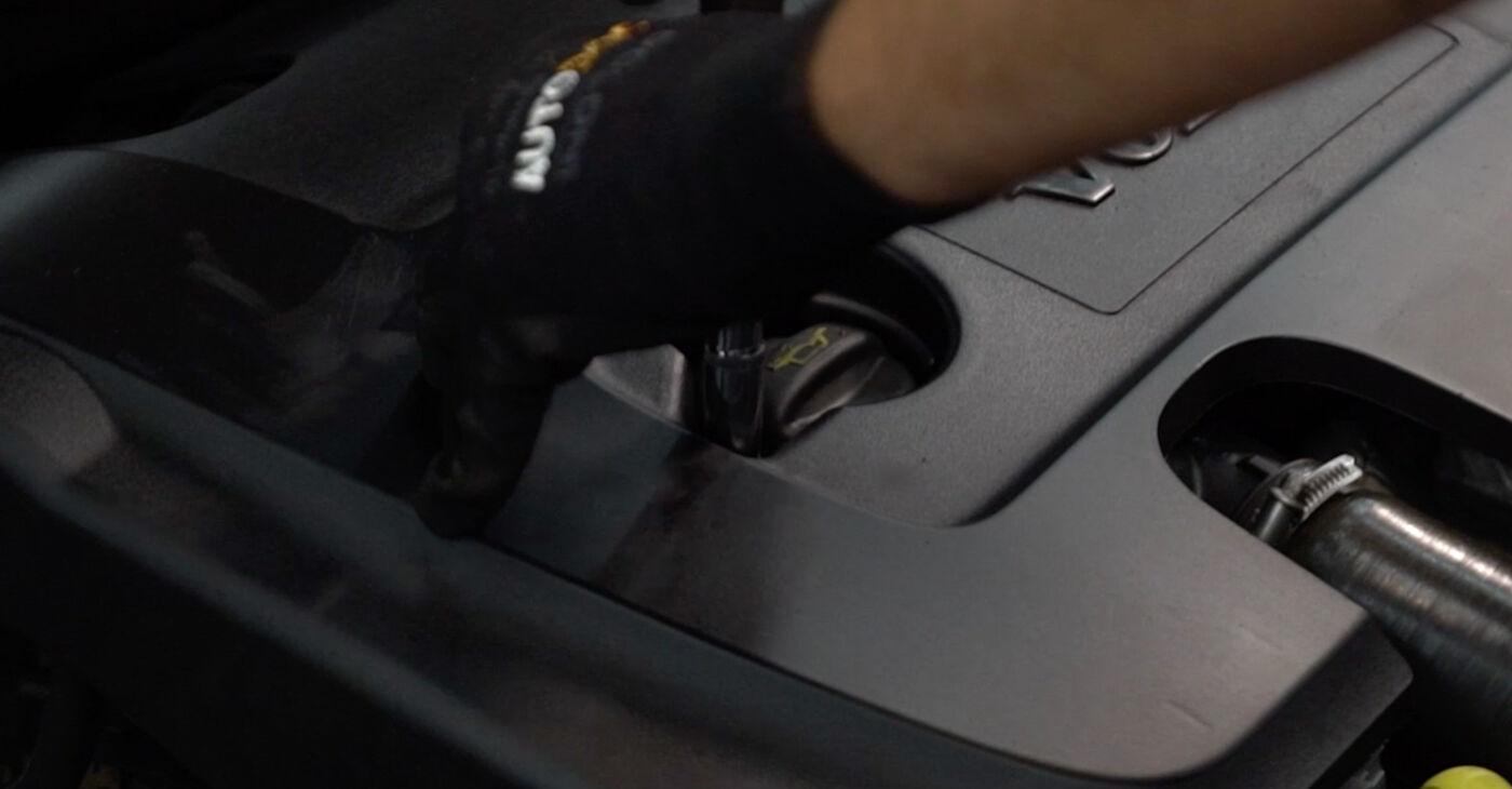 Kā nomainīt Degvielas filtrs Volvo v50 mw 2003 - bezmaksas PDF un video rokasgrāmatas