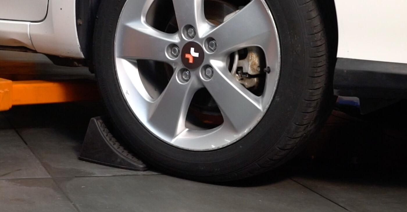 Kā nomainīt Savienotājstienis Toyota Auris e15 2006 - bezmaksas PDF un video rokasgrāmatas