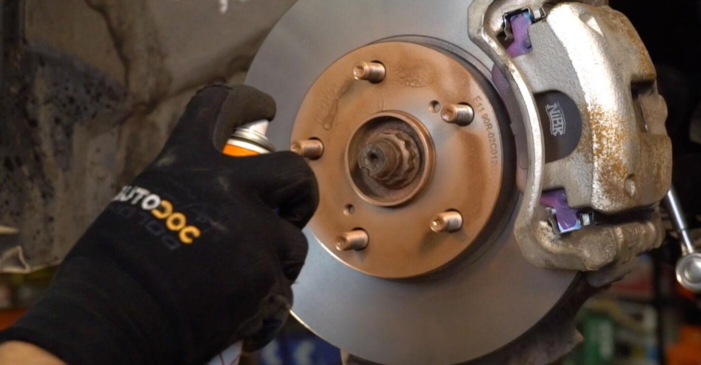 Substituição de Toyota Auris e15 2.0 D-4D (ADE150_) 2008 Pastilhas De Travão: manuais gratuitos de oficina