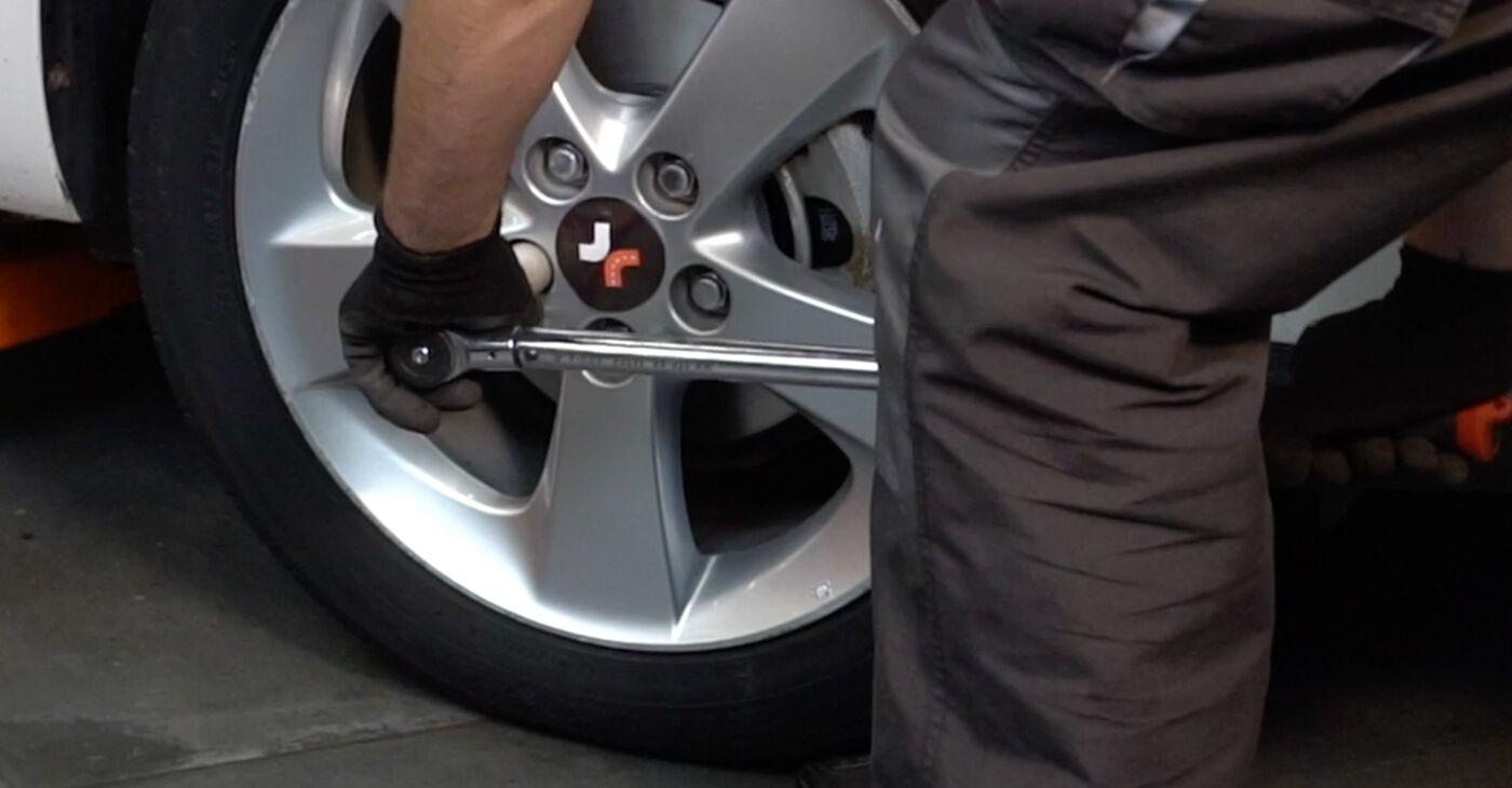 Quão difícil é efetuar a substituição de Pastilhas De Travão no Toyota Auris e15 1.33 Dual-VVTi (NRE150_) 2012 por si mesmo - descarregue o guia ilustrado