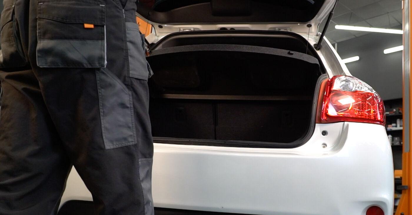 Kā nomainīt Amortizators Toyota Auris e15 2006 - bezmaksas PDF un video rokasgrāmatas