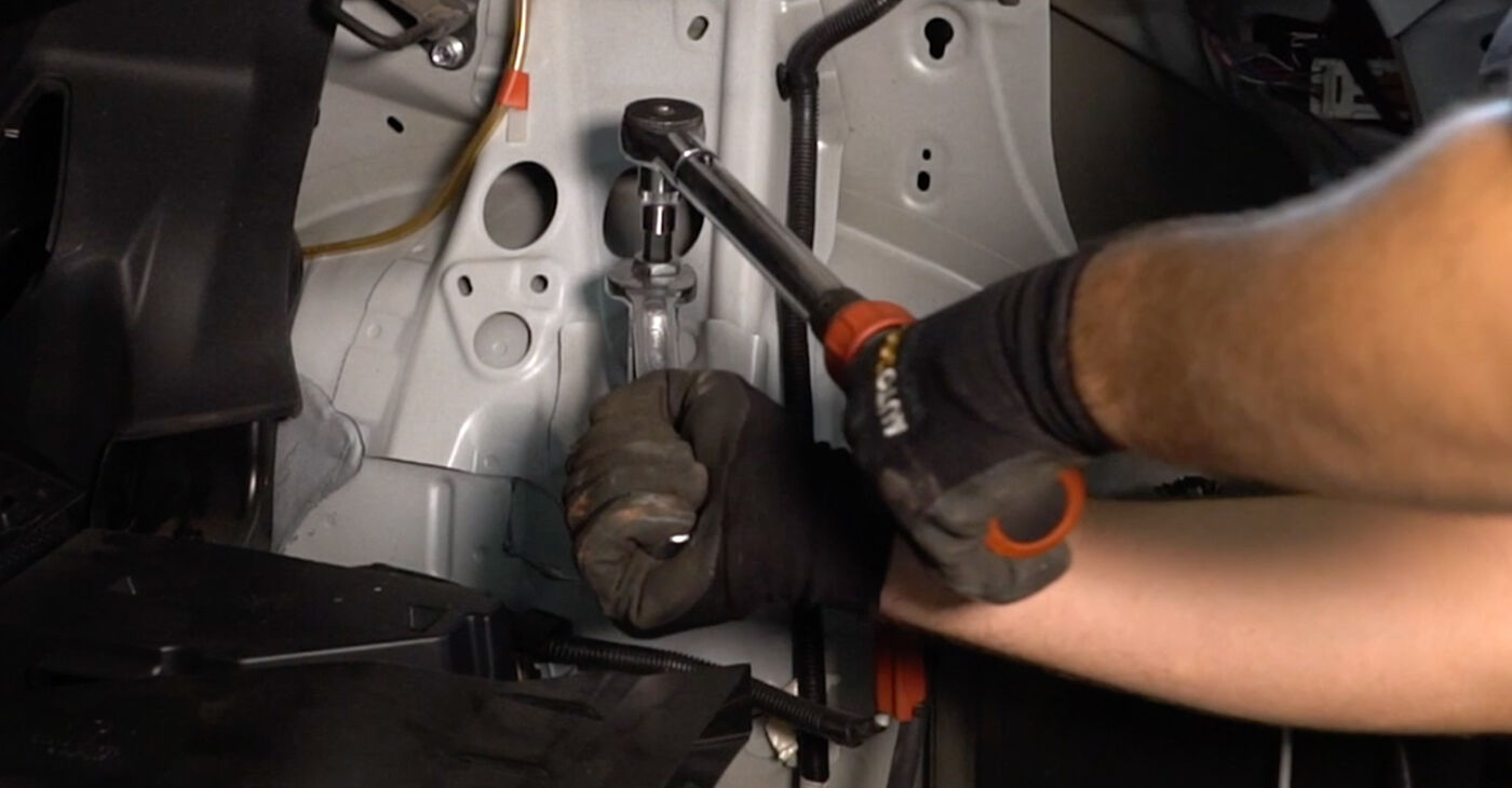 Cik ilgu laiku aizņem nomaiņa: Toyota Auris e15 2007 Amortizators - informatīva PDF rokasgrāmata