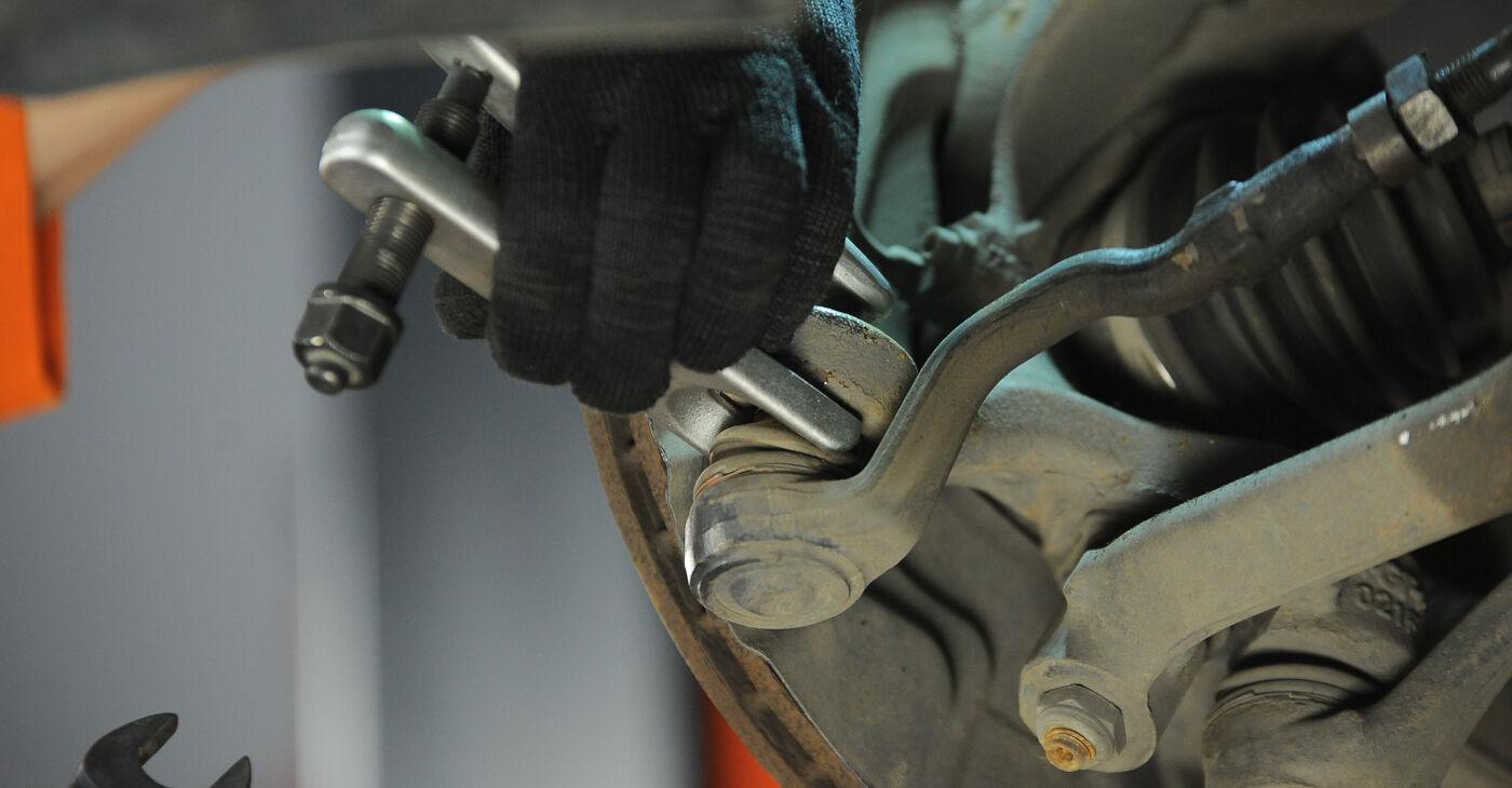 BMW X3 2010 Stūres šķērsstiepņa uzgalis pakāpeniska nomaiņas rokasgrāmata