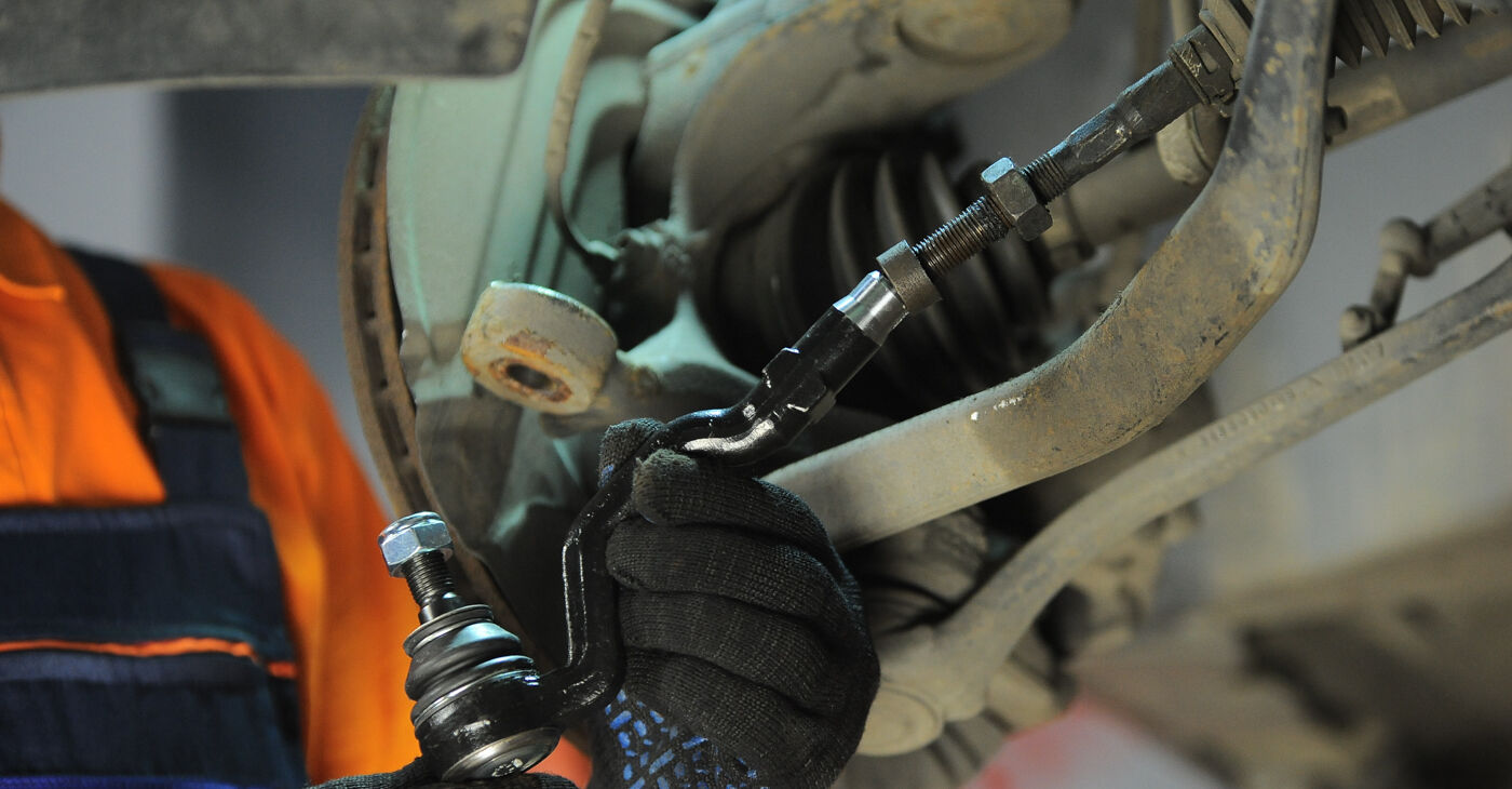 Patstāvīga BMW X3 E83 2004 2.0 d Stūres šķērsstiepņa uzgalis nomaiņa