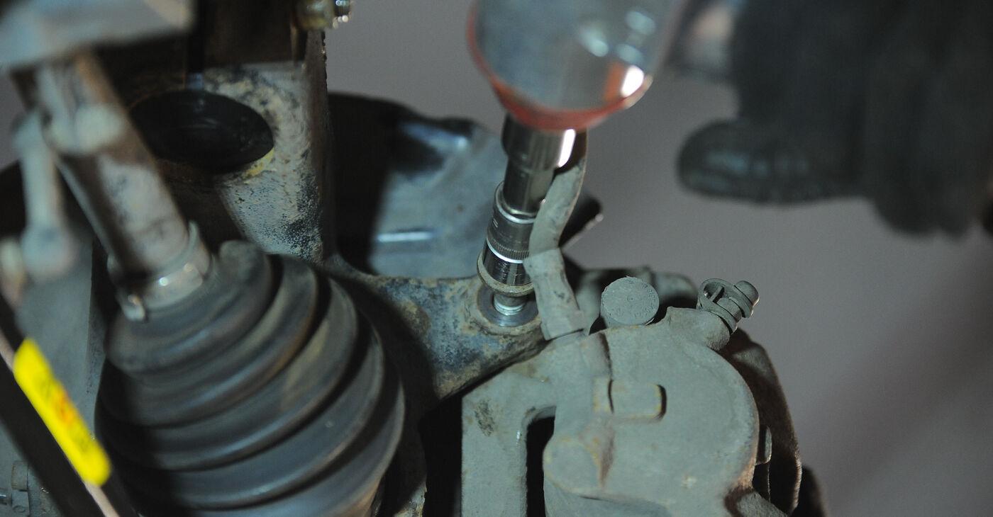 Pakāpeniski ieteikumi patstāvīgai BMW X3 E83 2007 3.0 sd Riteņa rumbas gultnis nomaiņai