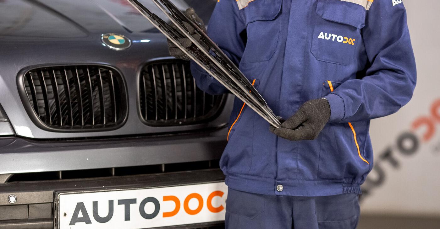 Kā nomainīt Stikla tīrītāja slotiņa BMW E53 2000 - bezmaksas PDF un video rokasgrāmatas