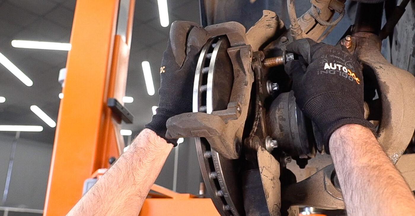 Patstāvīga ALFA ROMEO 159 Sportwagon (939) 2.0 JTDM 2011 Riteņa rumbas gultnis nomaiņa - tiešsaistes pamācība