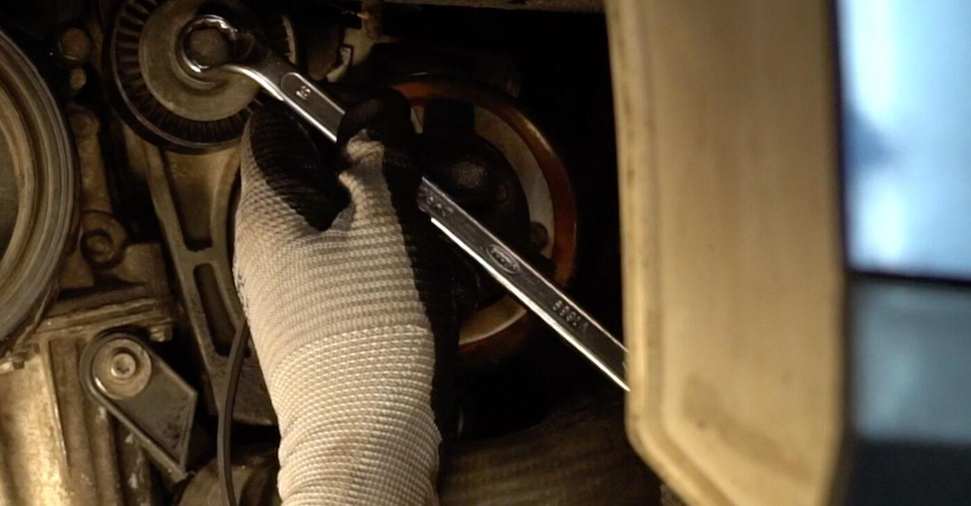 VW PASSAT 2006 V formos rumbuotas diržas išsami keitimo instrukcija