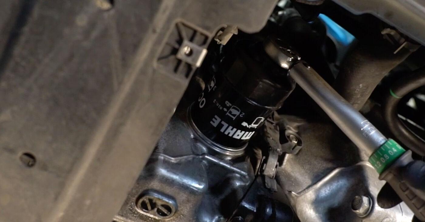 Pakāpeniski ieteikumi patstāvīgai Honda Insight ZE2/ZE3 2010 1.3 Hybrid (ZE28, ZE2) Eļļas filtrs nomaiņai