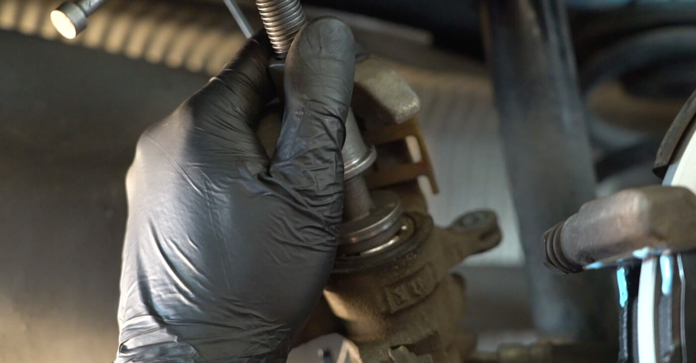 Πώς να αλλάξετε Τακάκια Φρένων σε Honda Insight ZE2/ZE3 2009 - δωρεάν εγχειρίδια PDF και βίντεο οδηγιών