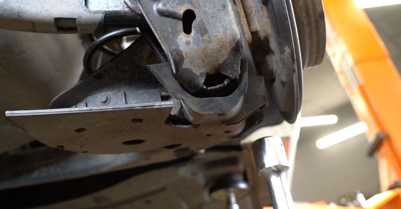Kako zamenjati Blazilnik na Mercedes W245 2004 - brezplačni PDF in video priročniki