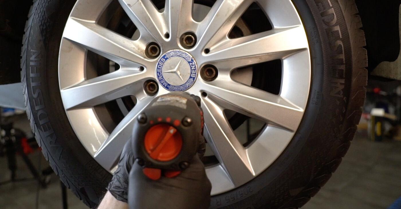 Priporočila korakov za DIY zamenjavo Mercedes W245 2008 B 150 1.5 (245.231) Blazilnik
