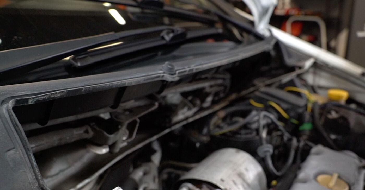 Cik grūti ir veikt Degvielas filtrs nomaiņu Opel Zafira f75 2.0 OPC (F75) 2005 - lejupielādējiet ilustrētu ceļvedi