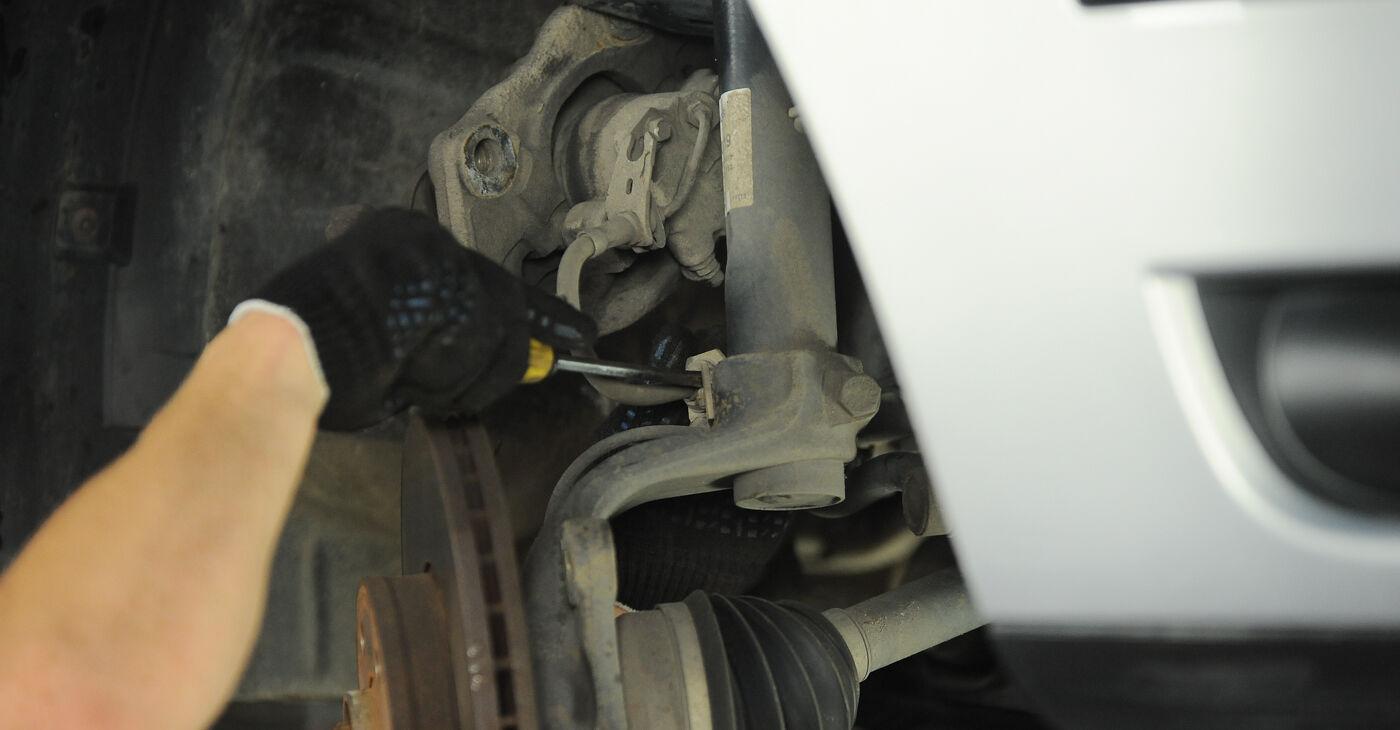 Kui keeruline on seda iseseisvalt teha: vahetada välja VW Sharan 1 2.8 V6 24V 2001 Rattalaager - laadige alla illustreeritud juhend