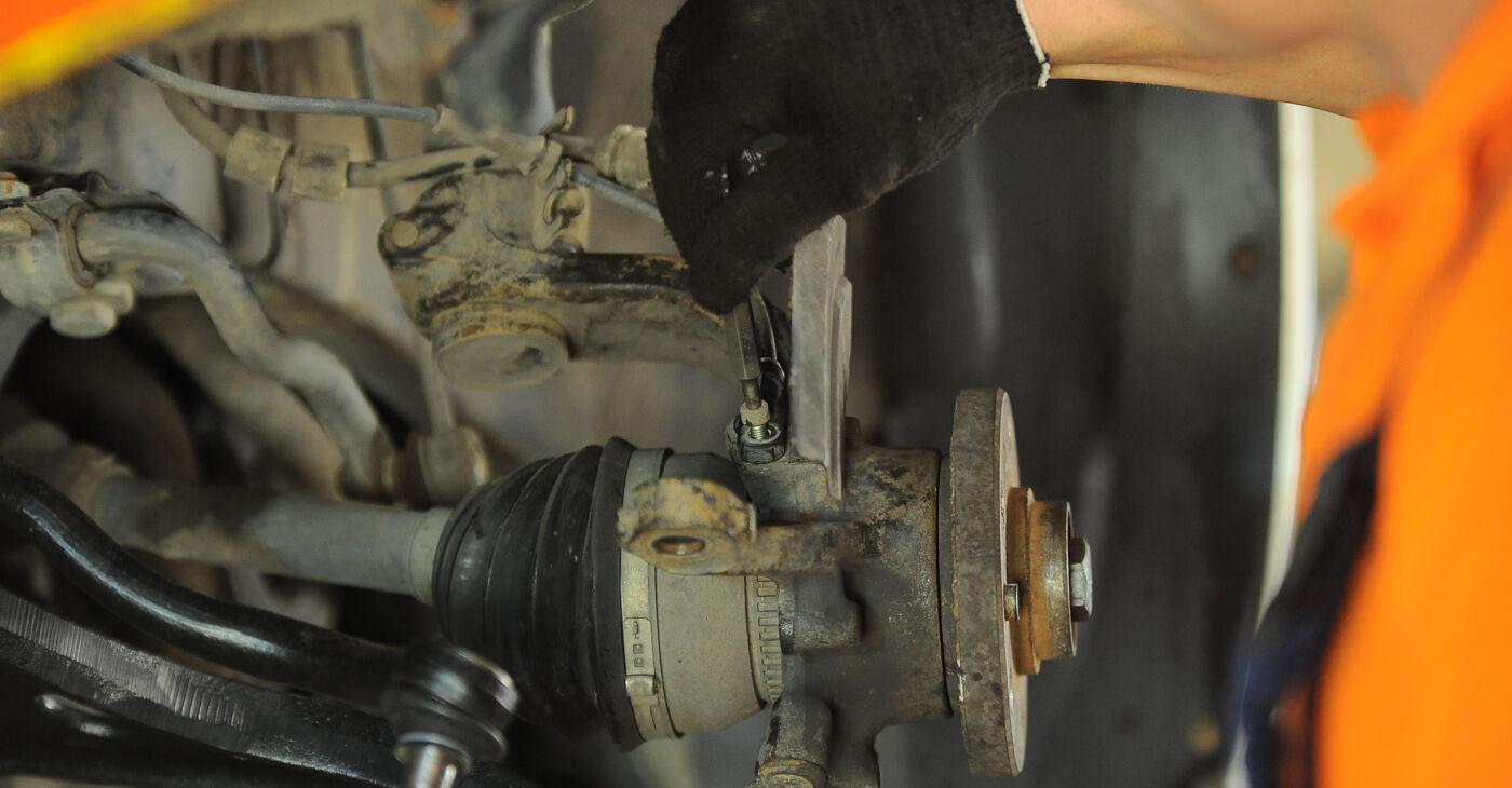 Kuidas eemaldada VW SHARAN 2.0 1999 Rattalaager - hõlpsasti järgitavad juhised online