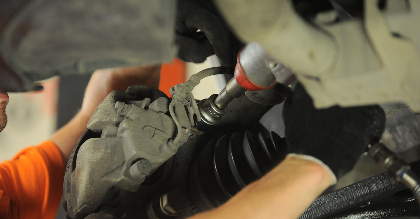 Schritt-für-Schritt-Tutorial zum eigenständigen Austausch von VW Sharan 1 2008 2.0 Radlager
