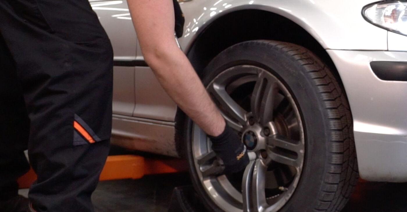Kā nomainīt BMW 3 Touring (E46) 320d 2.0 1999 Stabilizatora Bukses - pakāpeniskās rokasgrāmatas un video ceļveži