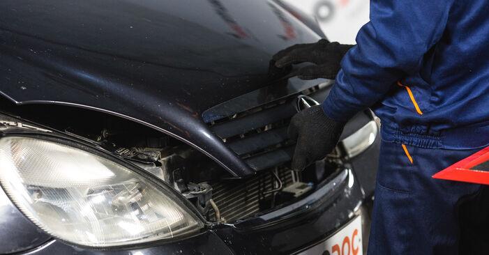 Bremstrommel Mercedes W168 A 160 1.6 (168.033, 168.133) 1999 wechseln: Kostenlose Reparaturhandbücher
