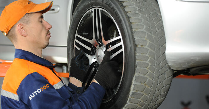 How to replace Brake Pads on MERCEDES-BENZ E-CLASS (W211) 2007: download PDF manuals and video instructions