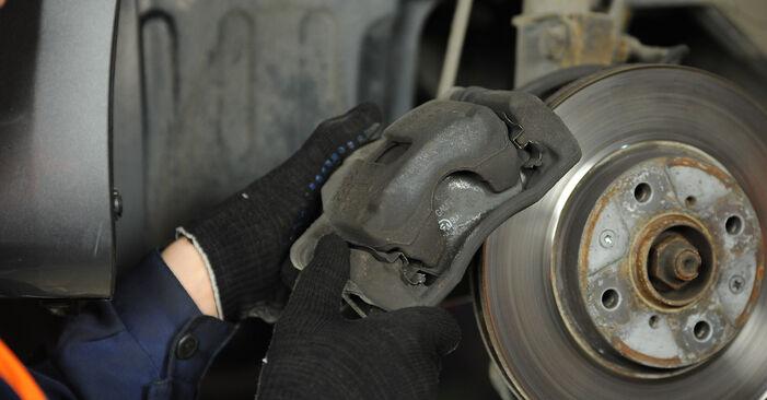Bremsscheiben beim SUZUKI SWIFT 1.5 4x4 (RS 415) 2012 selber erneuern - DIY-Manual